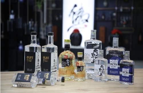 将传统中国酒赋予新的内涵 傲百年引领经典白酒行业的风向标